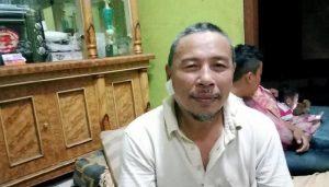 Wanita Stres Tusuk Guru Ngaji di Masjid