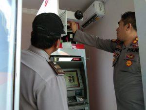 Cek ATM