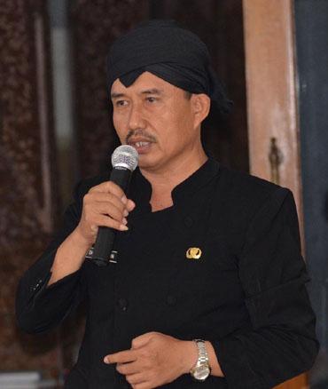 Drs H Nasikhin MH