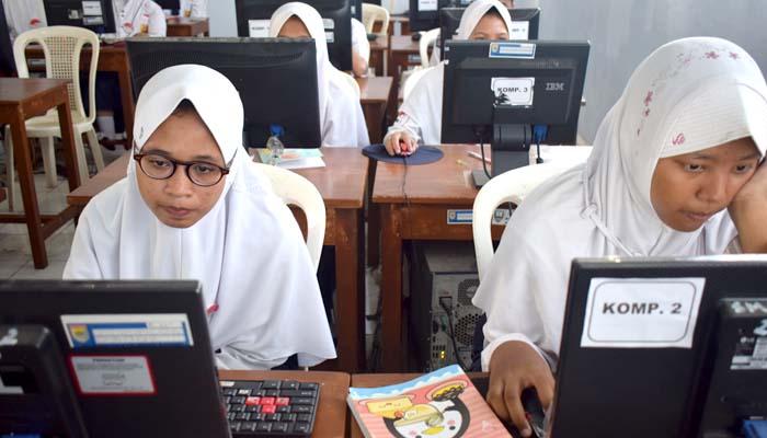 Hari ini Sebanyak 10693 Siswa SMP Ikuti UN