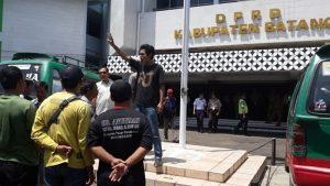 Sopir Angkot Demo