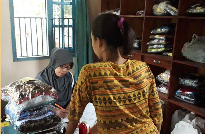 Melawan Keraguan Warga, Usaha Laundry Nur Janah Bantu ...