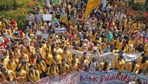 Mahasiswa Unnes Protes Pemberlakuan Uang Pangkal