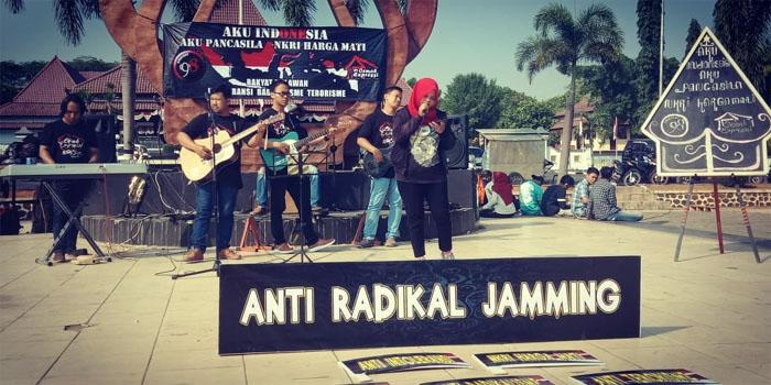 Anti Radikal Jamming