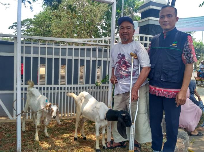 Alhamdulillah, 87 Disabilitas Dapat Bantuan Kambing