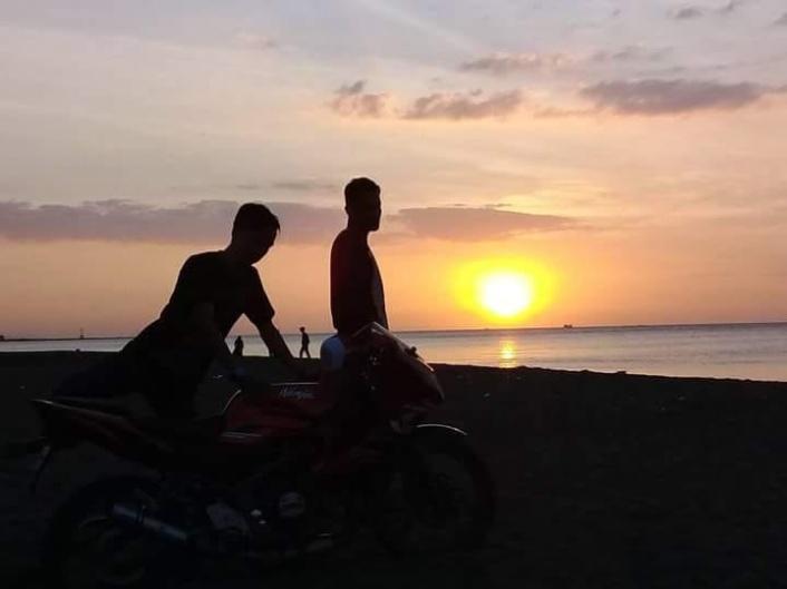 Pantai Sendang Asih Tawarkan View Sunset yang Menawan