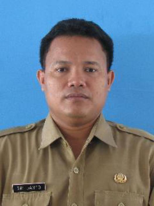 Camat Banyuputih, Tri Janto SSos MM