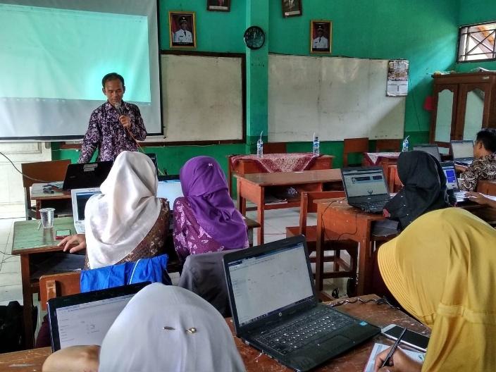 Guru Wajib Melek Teknologi