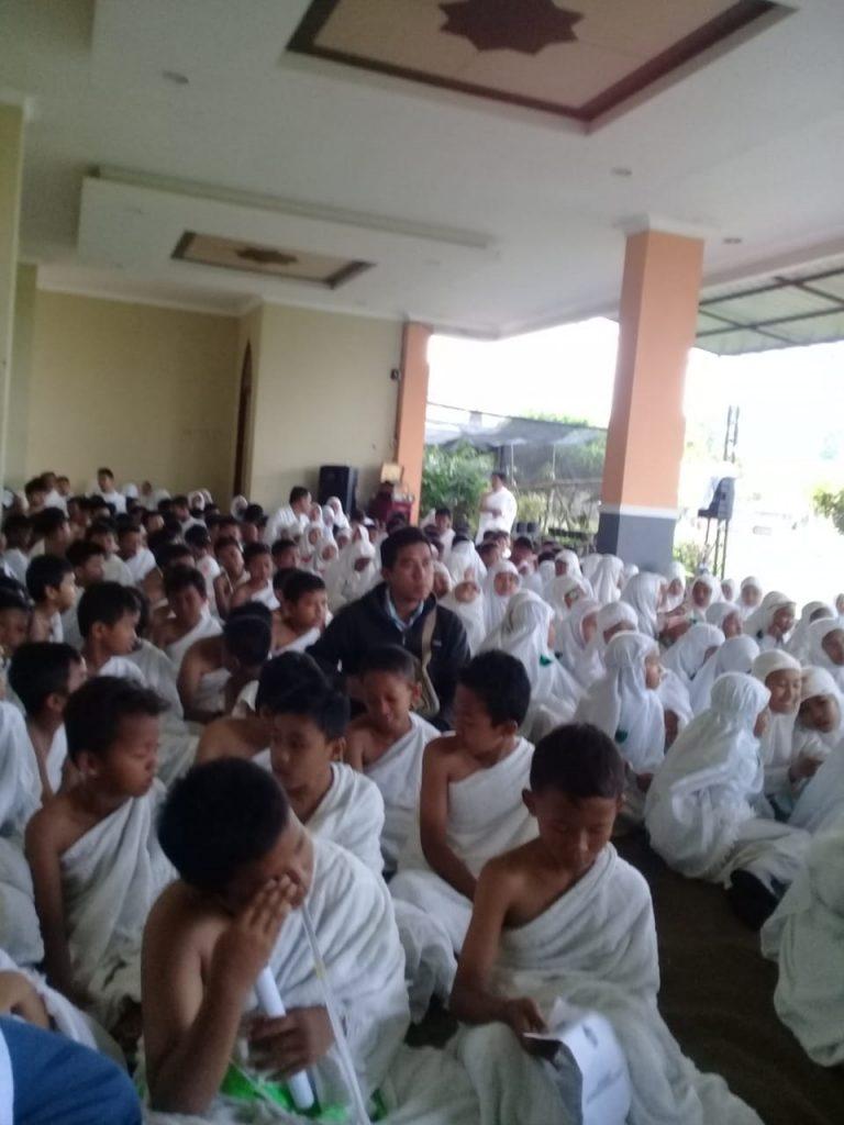Aplikasikan K13, Siswa Diajak Manasik Haji