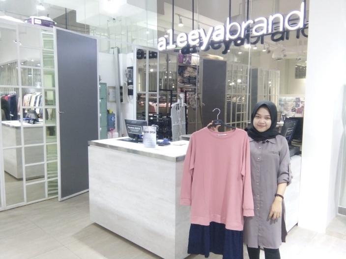 Manjakan Wanita dengan Aneka Fashion Muslim Kekinian