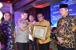 Bupati Terima Penghargaan dari Kapolda Jateng