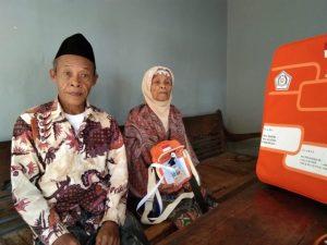 Menabung dari Hasil Membungkus Tempe, Nenek 93 Tahun Ini Akhirnya Berangkat Haji