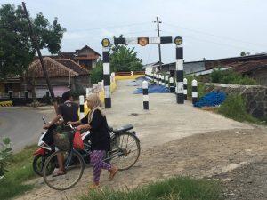 Proyek Jembatan Tanggul Malang Mangkrak