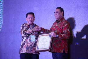 Walikota Terima Penghargaan Top 99 Inovasi Pelayanan Publik