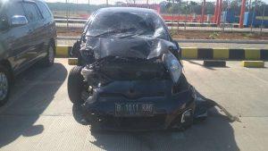 Mobil Yaris Tabrak Avanza di Jalan Tol, Satu Tewas